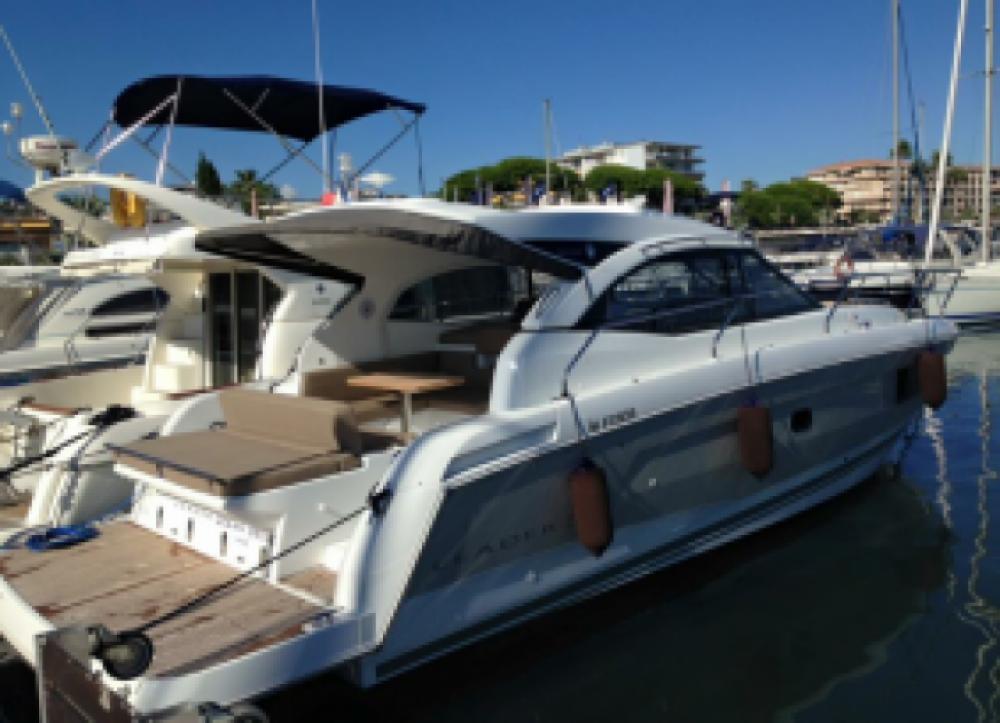Verhuur Motorboot in Vallauris - Jeanneau Leader36