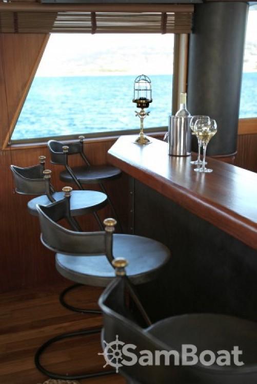 Huur Jacht met of zonder schipper Hatteras in Golfe-Juan