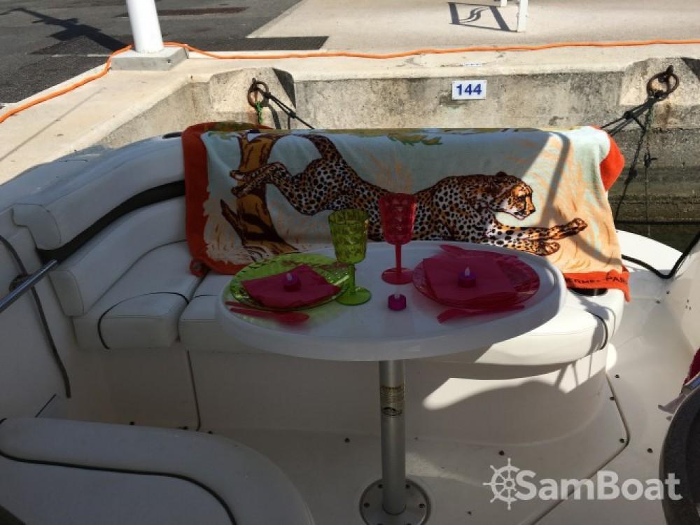 Bootverhuur Rinker 260 EC in Cannes via SamBoat