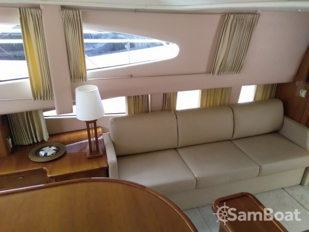 Carver 380 SS te huur van particulier of professional in Villeneuve-Loubet