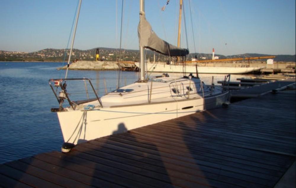 Bootverhuur Cavalaire-sur-Mer goedkoop First 31.7