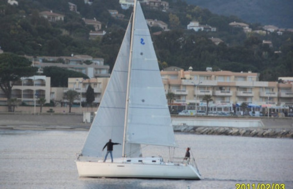 Verhuur Zeilboot in Cavalaire-sur-Mer - Bénéteau First 31.7