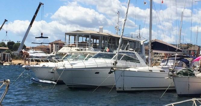 Bootverhuur Porto-Vecchio goedkoop 48 MISTRAL OPEN