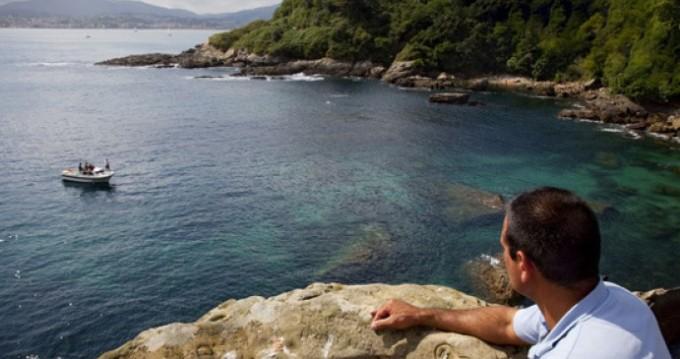Zeilboot te huur in Donostia/San Sebastián voor de beste prijs
