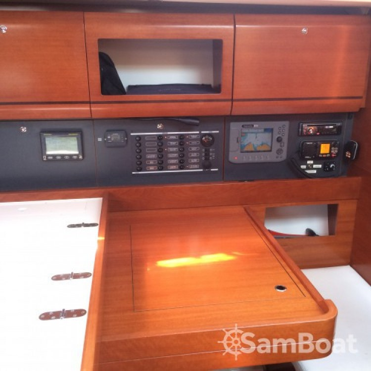 Bootverhuur Dufour Dufour 405 Grand Large in Saint-Mandrier-sur-Mer via SamBoat