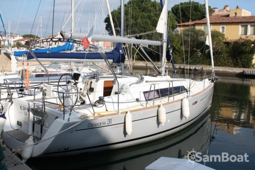 Huur een Bénéteau Oceanis 31 in Grimaud