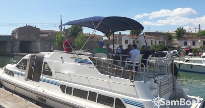 Verhuur Woonboot Crown-Cruiser met vaarbewijs