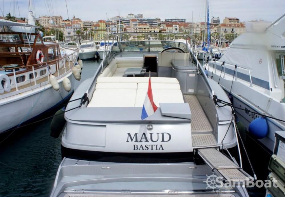 Bootverhuur Cannes goedkoop Blade Marine 50