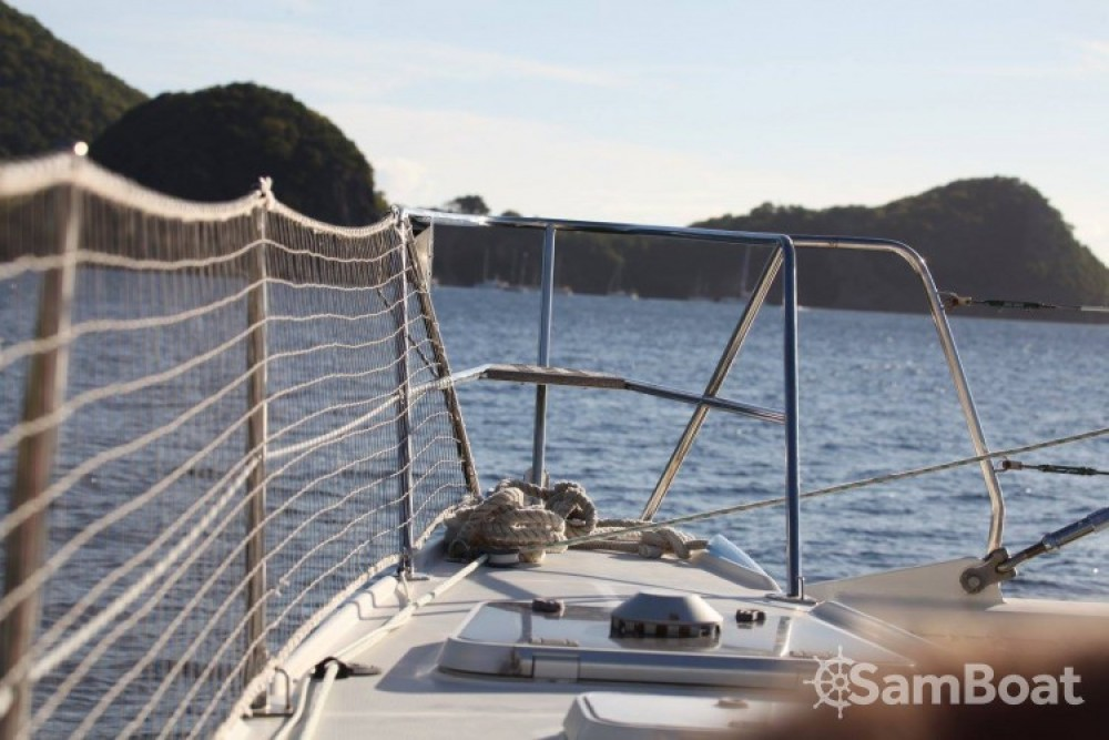 Bootverhuur Jeantot-Marine Privilege 45 in Saint-François via SamBoat