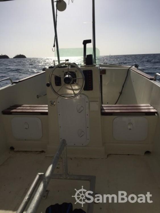 Motorboot te huur in Bouillante voor de beste prijs