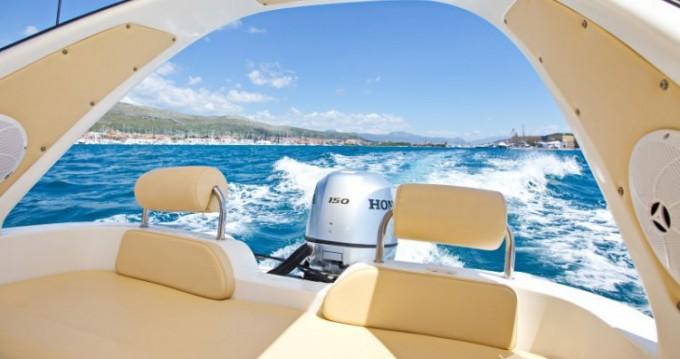 Huur een Inmark-Marine Aquamax B20F in Split