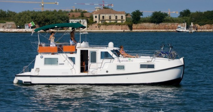 Verhuur Woonboot Tip-Top met vaarbewijs