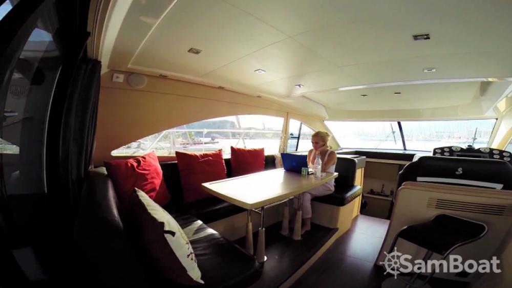 Huur een Bénéteau Monte Carlo 47 Fly in Antibes