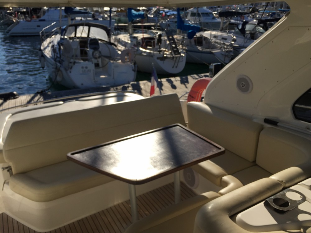 Jachthuur in Cannes - Bavaria Bavaria 38 Hard Top via SamBoat