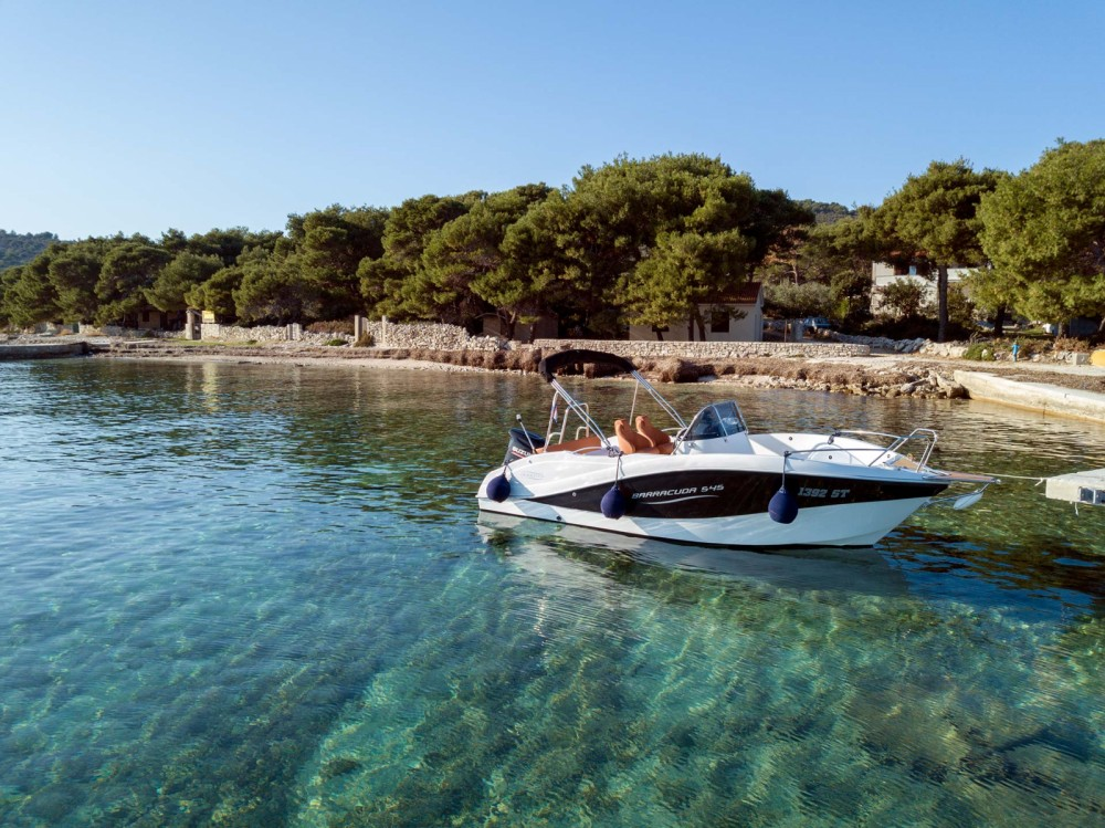 Huur een Okiboats Barracuda 545 Open in Split