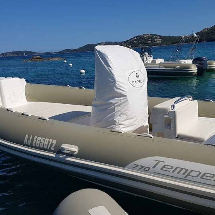 Verhuur Rubberboot in Porto-Vecchio - Capelli Tempest 770