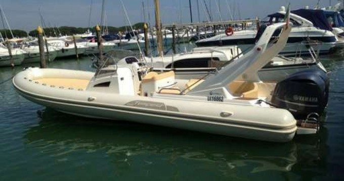 Verhuur Rubberboot in Porto-Vecchio - Capelli Tempest 1000