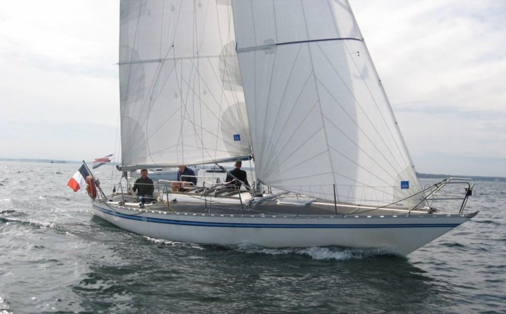 Zeilboot te huur in Villaggio del Pescatore voor de beste prijs