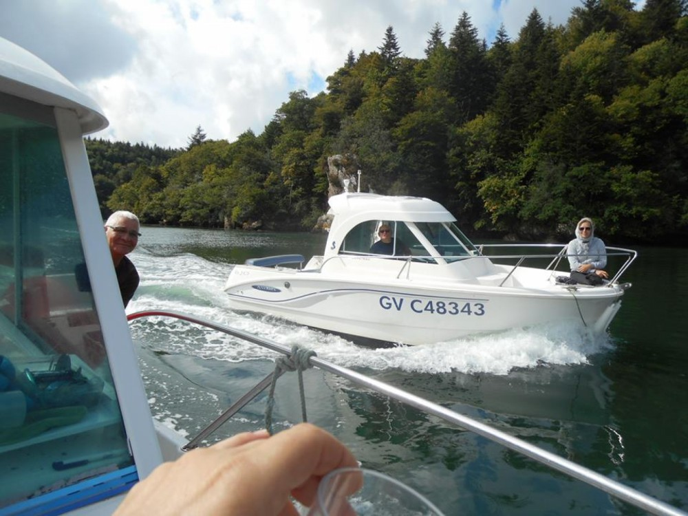 Huur Motorboot met of zonder schipper Bénéteau in Loctudy