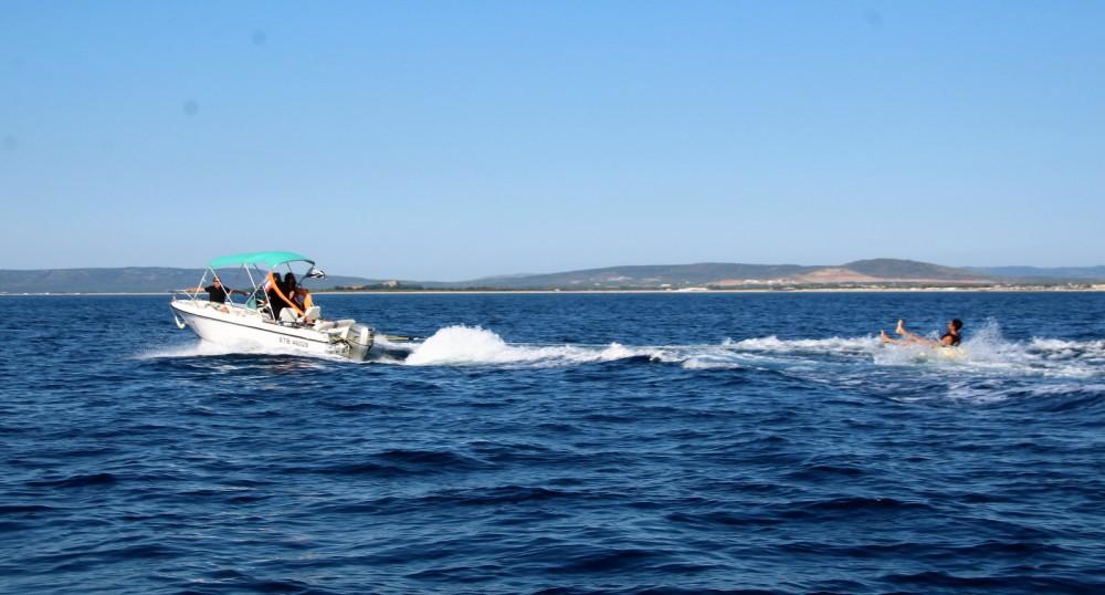 Motorboot te huur in Palavas-les-Flots voor de beste prijs