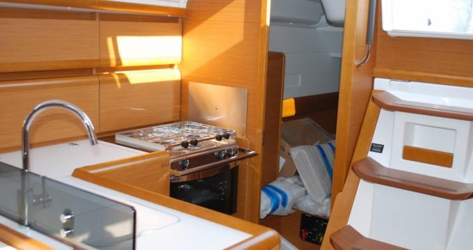 Bootverhuur Álimos goedkoop Sun Odyssey 379