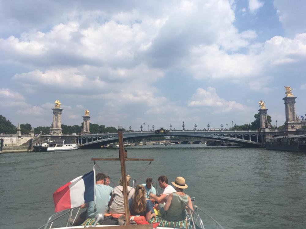 Motorboot te huur in Parijs voor de beste prijs