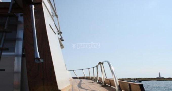 Huur een Posillipo ANTIGUA 38 FLY in Gallipoli