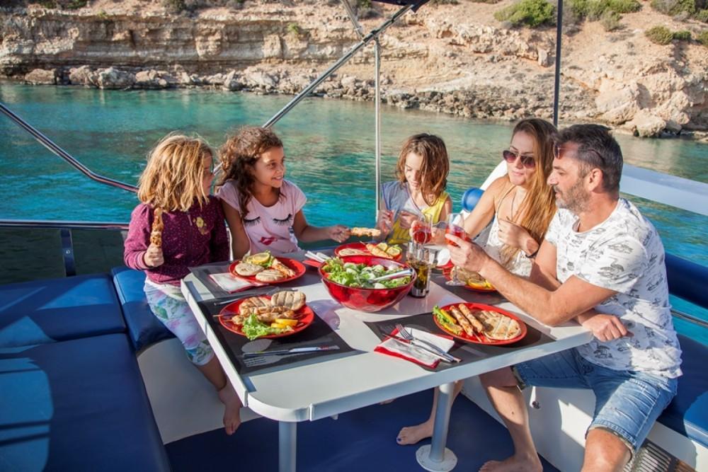 Huur Motorboot met of zonder schipper BRUCE ROBERTS in Greece