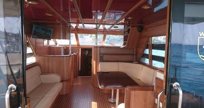Jachthuur in Athene - BRUCE ROBERTS WAVE RUNNER 50 via SamBoat