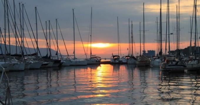 Huur Zeilboot met of zonder schipper Delphia in La Spezia