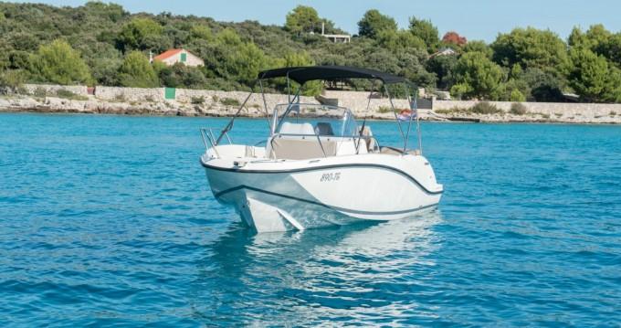 Quicksilver Activ 675 Open te huur van particulier of professional in Trogir