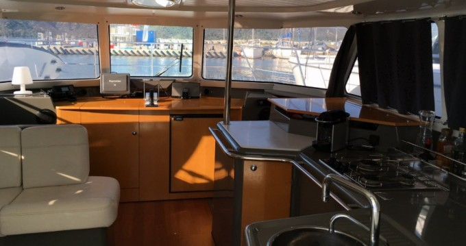 Bootverhuur Fountaine Pajot Highland 35 in Saint-Florent via SamBoat