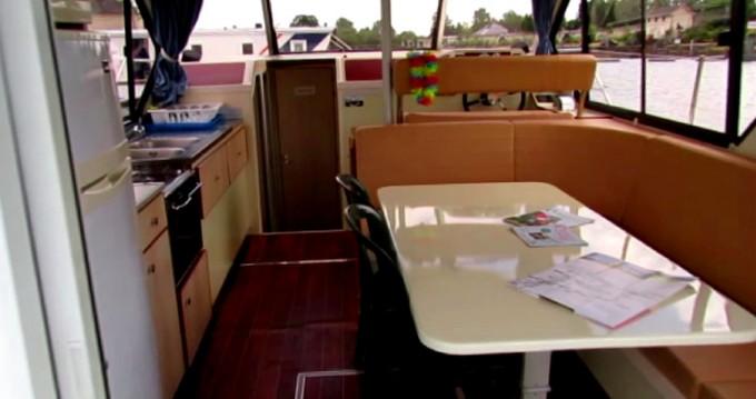 Verhuur Woonboot Nicols met vaarbewijs