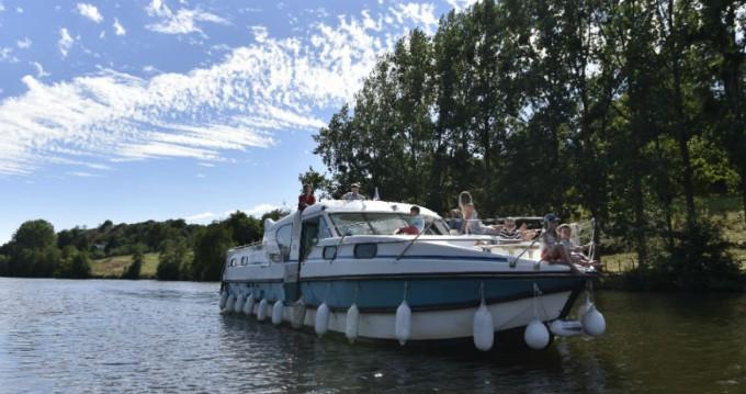 Woonboot te huur in Sablé-sur-Sarthe voor de beste prijs