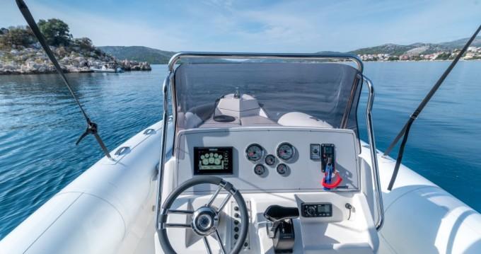 Huur een Marlin Boat 790 Dynamic in Trogir