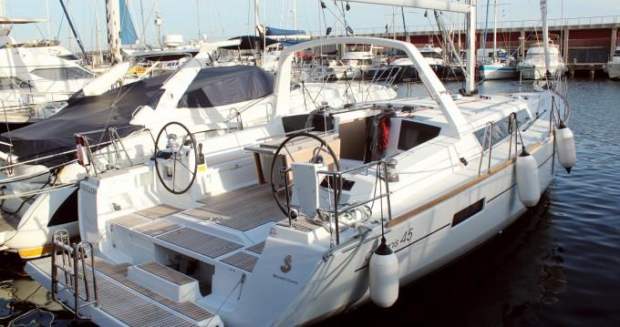 Bénéteau Oceanis 45 te huur van particulier of professional in Barcelona