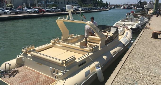 Verhuur Rubberboot in Piombino - Solemar 28 offshore