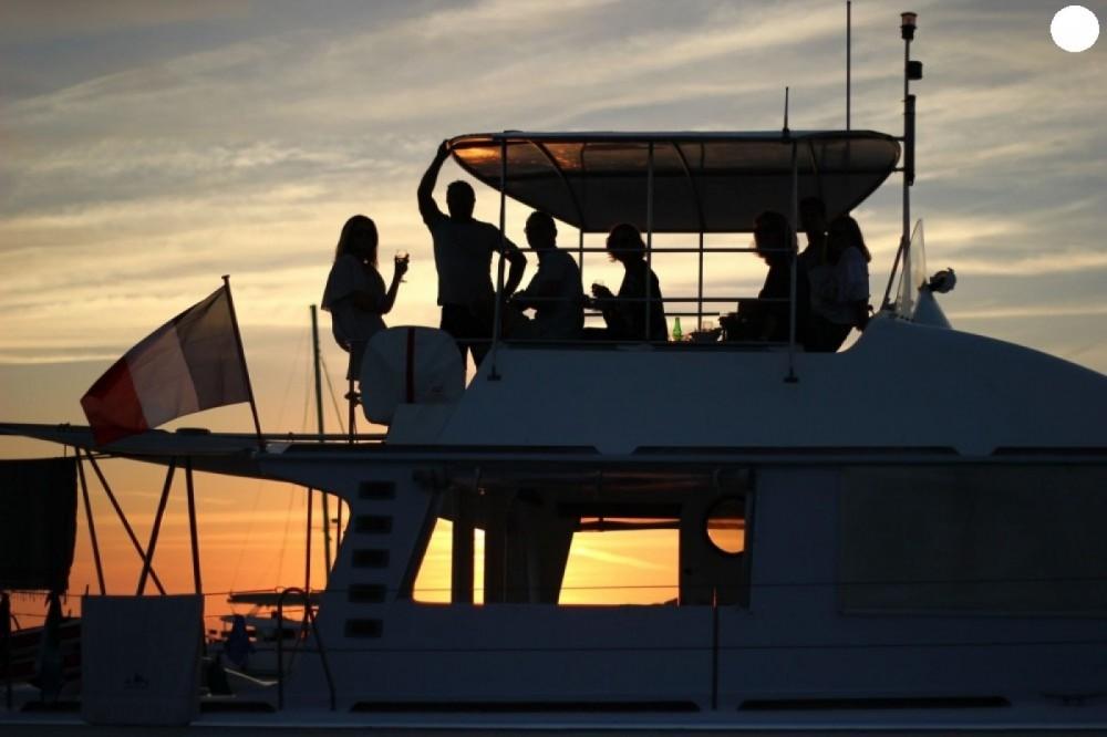 Verhuur Catamaran Catamaran met vaarbewijs