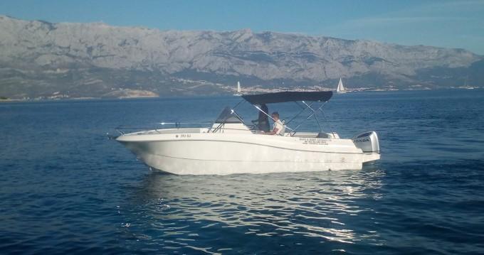 Motorboot te huur in Sumartin voor de beste prijs