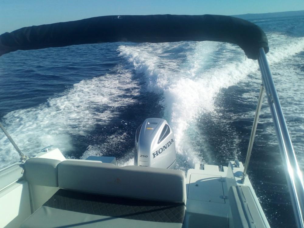 Bootverhuur Atlantic-Marine 750 open in Sumartin via SamBoat
