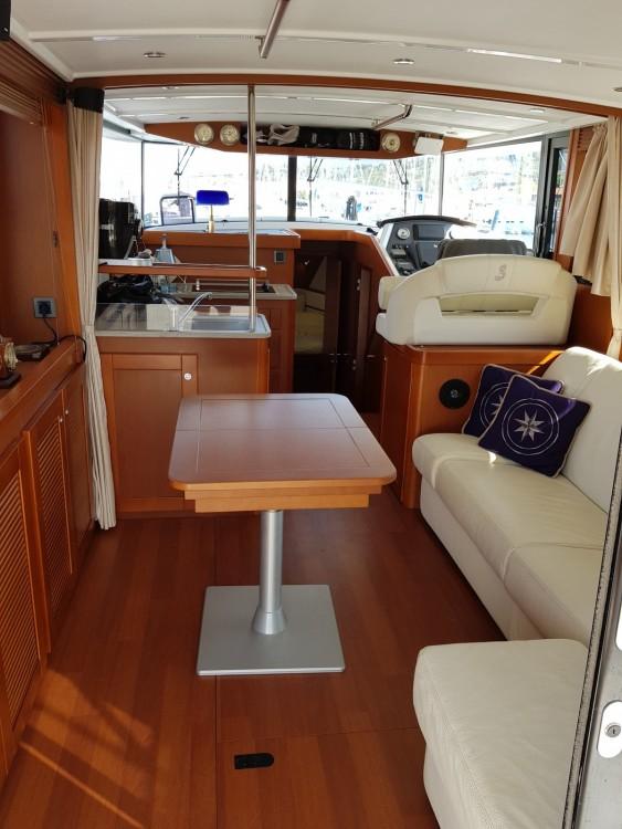 Bootverhuur Puntone di Scarlino goedkoop Swift Trawler 44