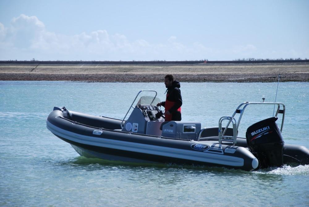 Rubberboot te huur in La Rochelle voor de beste prijs