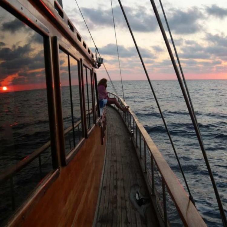 Verhuur Zeilboot in Milazzo - Gullet Kpatain