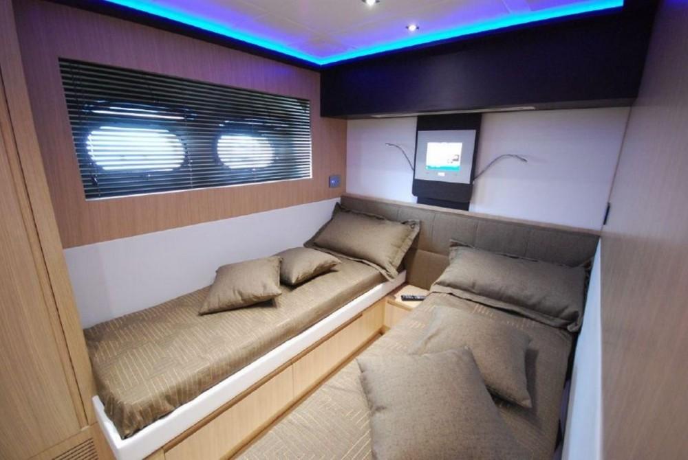Bootverhuur Fréjus goedkoop 80 yacht