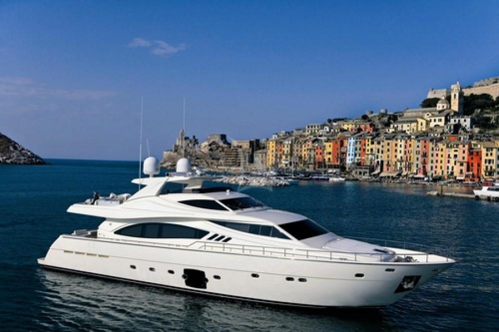 Huur Jacht met of zonder schipper Ferretti in Antibes