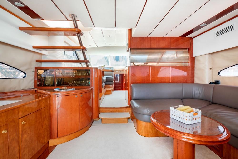 Huur Jacht met of zonder schipper Fairline in Positano