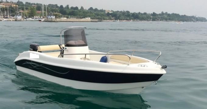 Verhuur Motorboot as maine enika met vaarbewijs
