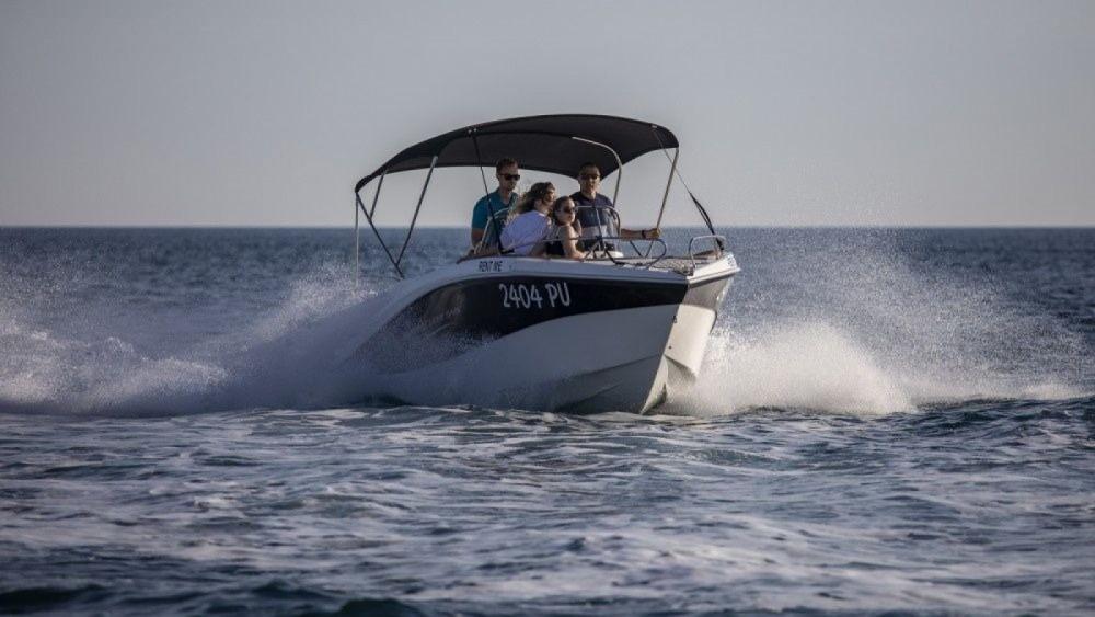 Huur een Okiboats Barracuda 545 Open in Pula