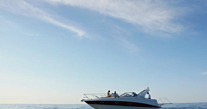 Bootverhuur Larson 330 Cabrio in Chania via SamBoat