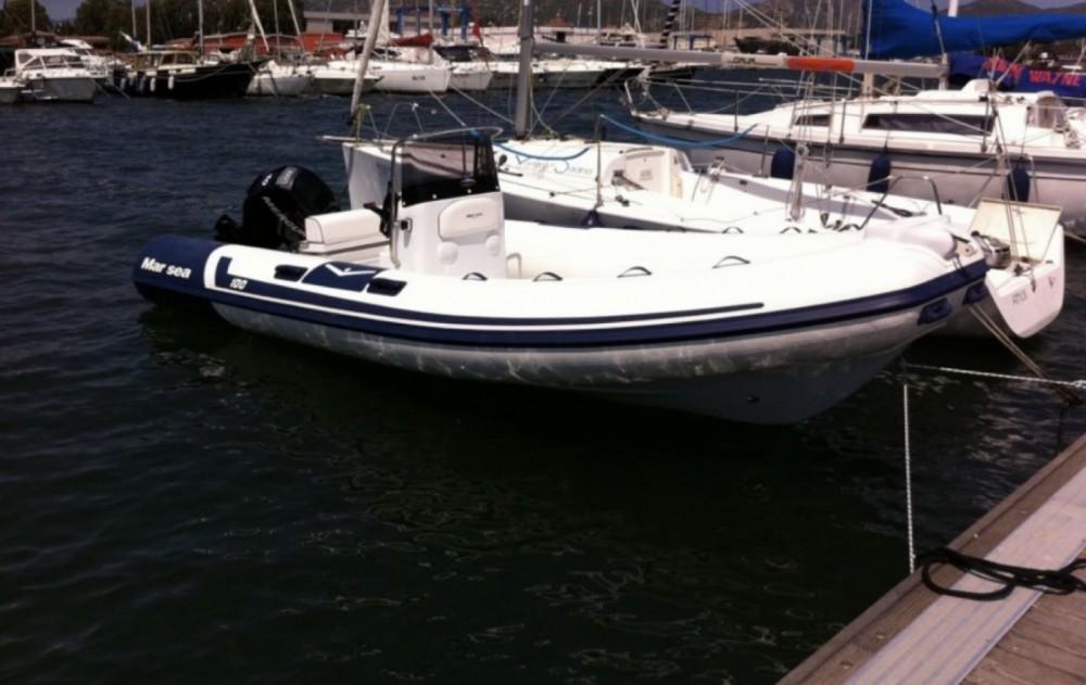 Rubberboot te huur in Sarroccu/Sarroch voor de beste prijs